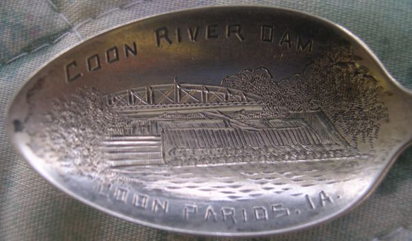 bridge spoon Coon River Dam, Coon Rapids,  Ia (error in engraving)